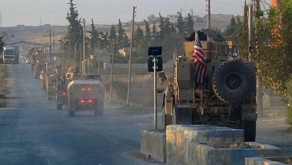 Kolona američkih vojnih vozila u Siriji - Sputnik Srbija