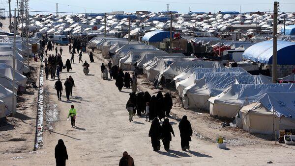 Жене у избегличком кампу Хасака у Сирији - Sputnik Србија
