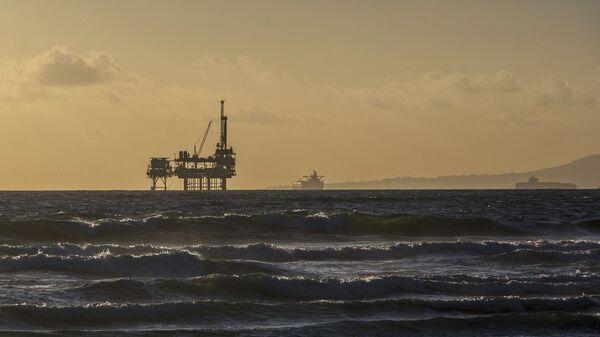 Naftna bušotina u moru - Sputnik Srbija