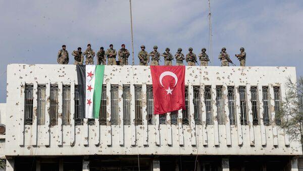 Турски и сиријски војници у гради Рас ел Ајн - Sputnik Србија