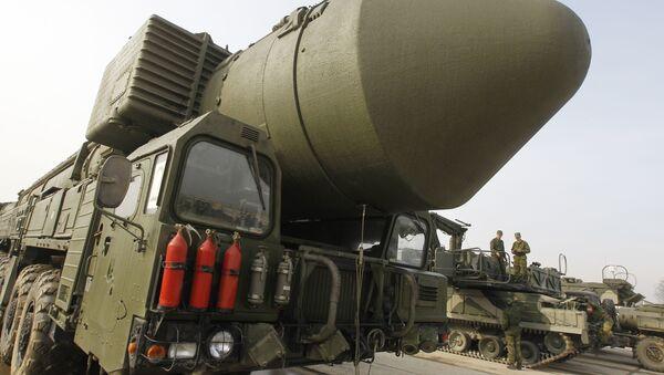 Demonstracija raketnog sistema Topolj M na podmoskovskom poligonu Alabino - Sputnik Srbija