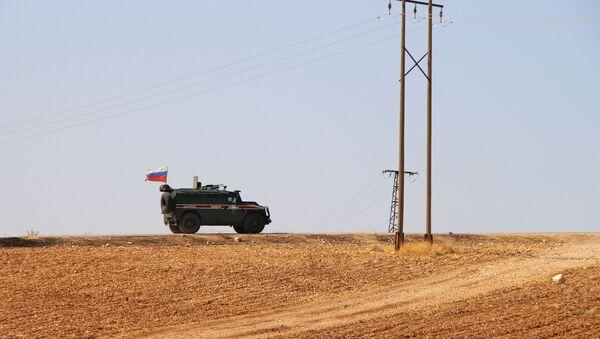 Pripadnici ruske vojne policije patroliraju sirijskim Kobanijem - Sputnik Srbija