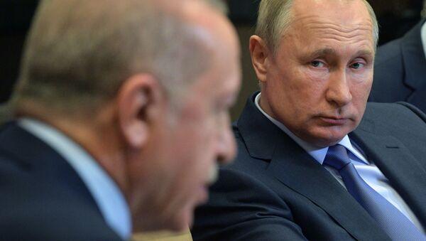 Predsednici Turske i Rusije Redžep Tajip Erdogan i Vladimir Putin na sastanku u Sočiju - Sputnik Srbija