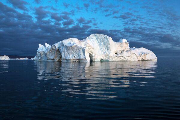 Ледени брег у водама Гренланда. - Sputnik Србија