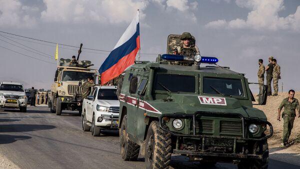 Pripadnici ruske vojne policije nadgledaju povlačenje Kurda sa sirijsko-turske granice - Sputnik Srbija