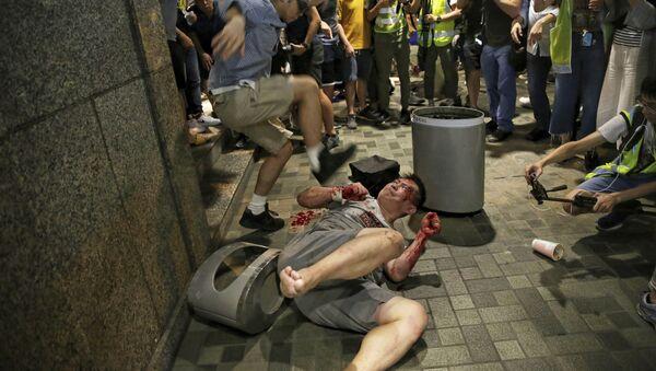 Žestoki sukobi među demonstrantima u Hong Kongu - Sputnik Srbija