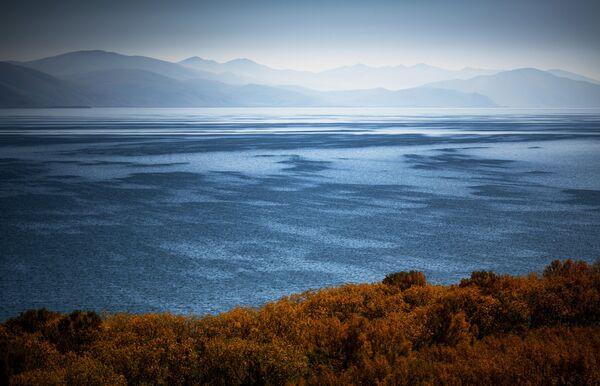 Jezero Sevan, najveće u Jermeniji. - Sputnik Srbija