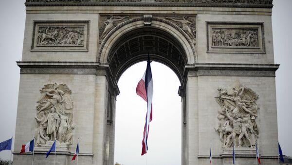 Francuski vojnici tokom parade kod Trijumfalne kapije u Parizu na obeležavanju godišnjice primirja u Prvom svetskom ratu - Sputnik Srbija