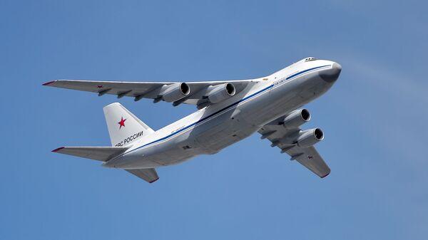 Совјетски тешки транспортни авион Ан-124 Руслан - Sputnik Србија