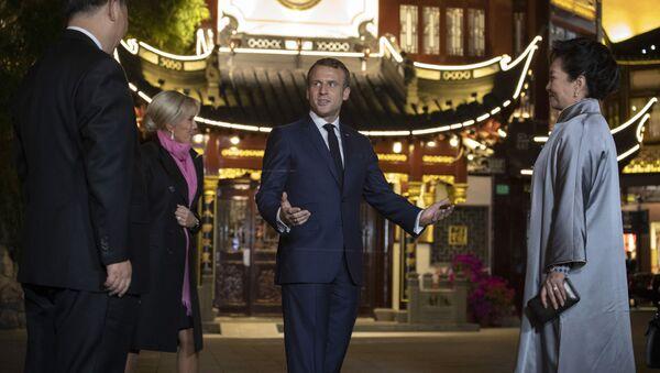 Francuski i kineski predsednik sa suprugama u Šangaju - Sputnik Srbija