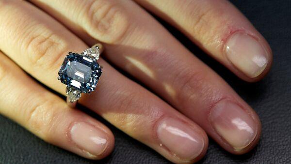 Plavi dijamant 7,03 karata - Sputnik Srbija