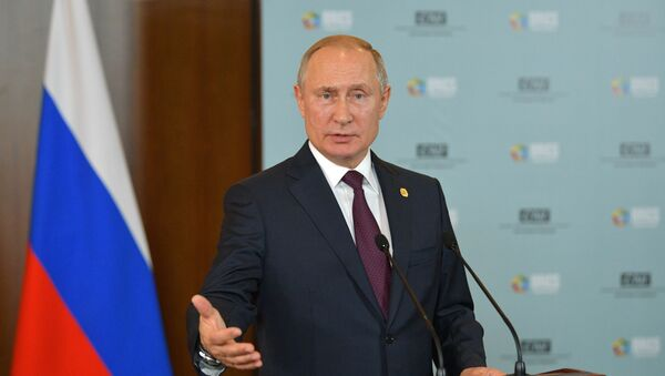 Председник Русије Владимир Путин на конференцији за медије након самита БРИКС-а - Sputnik Србија