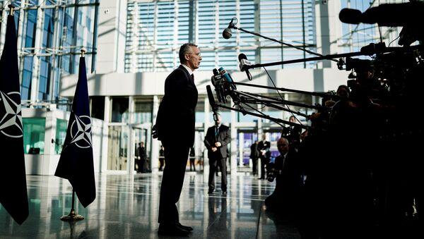 Јенс Столтенберг на конференцији у Бриселу - Sputnik Србија
