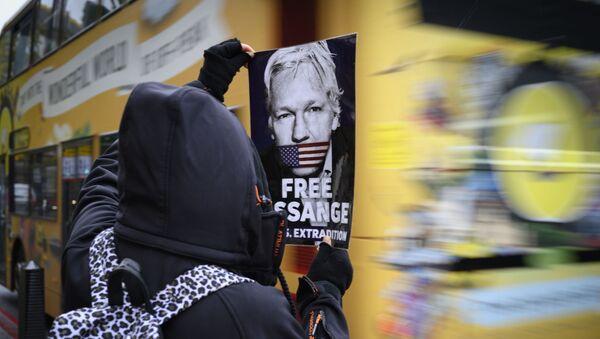 Акција за подршку Асанжу у Лондону - Sputnik Србија