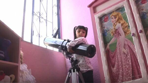 Адхара Перез, девојчица интелигентнија од Ајнштајна и Хокинга - Sputnik Србија