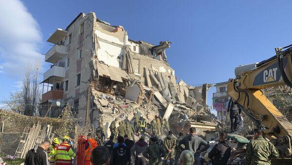 Најмање 16 људи је погинуло, а више од 600 је повређено у снажном земљотресу јачине 6,4 јединице по Рихтеру који је јутрос у 3.54 погодио непосредну околину албанског града Драча. - Sputnik Србија