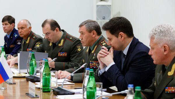 Начелник Генералштаба Оружаних снага Русије Валериј Герасимов у Бакуу - Sputnik Србија
