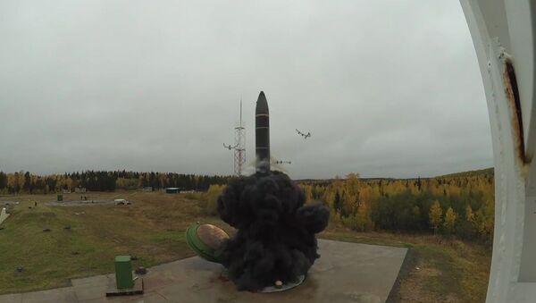 Лансирање балистичке ракете Топољ М - Sputnik Србија