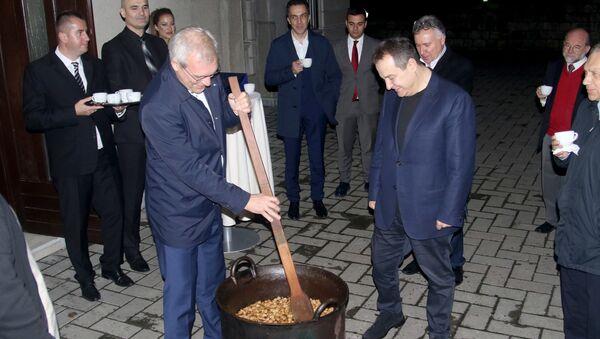 Gruško i Dačić spremali specijalitete - Sputnik Srbija