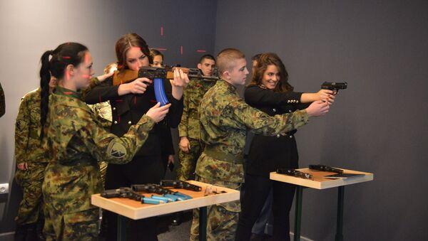 Мисице у посети Војној академији - Sputnik Србија
