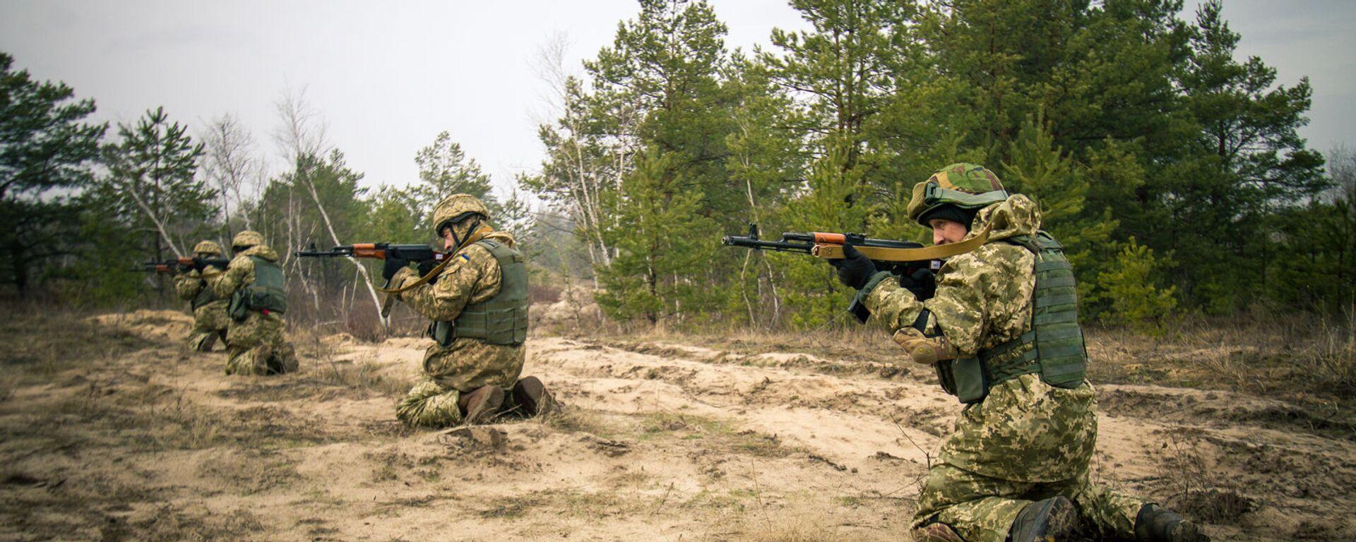 Припадници Оружаних снага Украјине на војним вежбама на Ровњенском полигону - Sputnik Србија, 1920, 13.10.2021