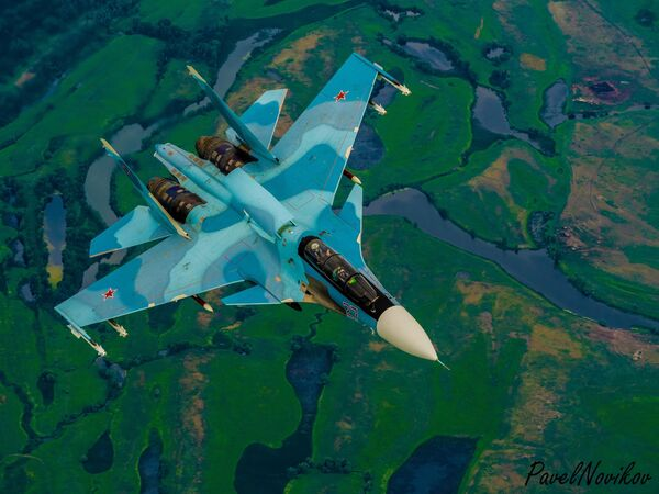 Руски вишенаменски ловац генерације 4+ Су-30 - Sputnik Србија