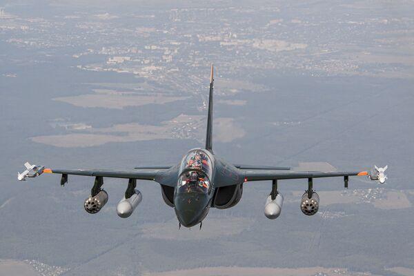 Руски тренажни авион Јак-130 - Sputnik Србија