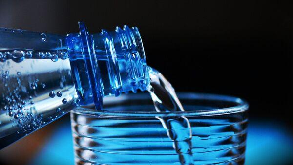 Plastična flaša - Sputnik Srbija