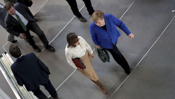 Angela Merkel i Ulrike Demer u Bundestagu - Sputnik Srbija