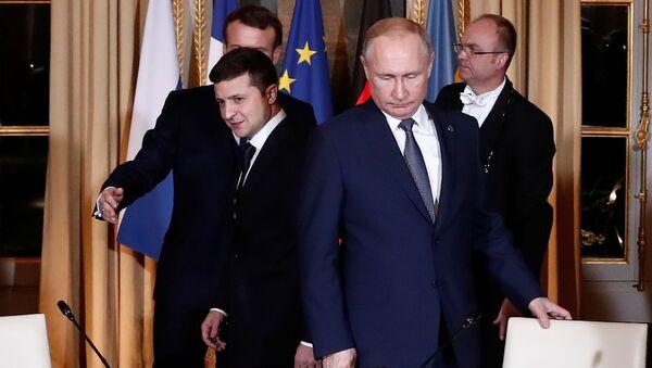 Predsednici Ukrajine i Rusije, Vladimir Zelenski i Vladimir Putin, dolaze na samit normandijske četvorke u Jelisejskoj palati u Parizu - Sputnik Srbija