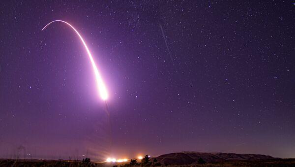 Лансирање ракете из војне базе Ванденберг у Калифорнији /архивска фотографија/ - Sputnik Србија