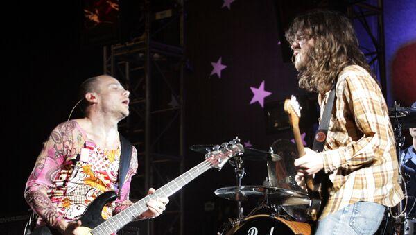 Fli i Džon Frušante na koncertu grupe Red hot čili pepers - Sputnik Srbija