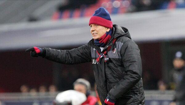 Trener FK Bolonja Siniša Mihajlović na utakmici protiv Atlante u Bolonji - Sputnik Srbija