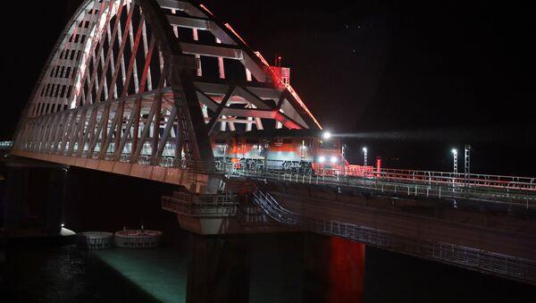 Воз преко Кримског моста - Sputnik Србија