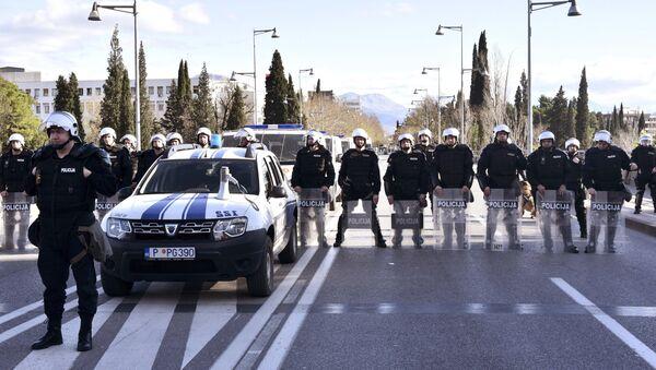 Црногорска полиција држи блокаду на дан расправе о Предлогу закона о слободи вероисповести, илустрација - Sputnik Србија