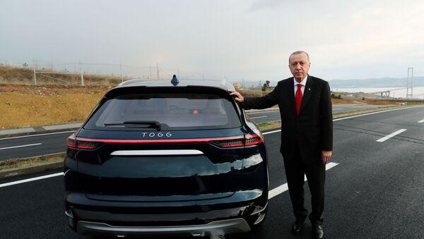 Erdogan pored novog turskog automobila - Sputnik Srbija