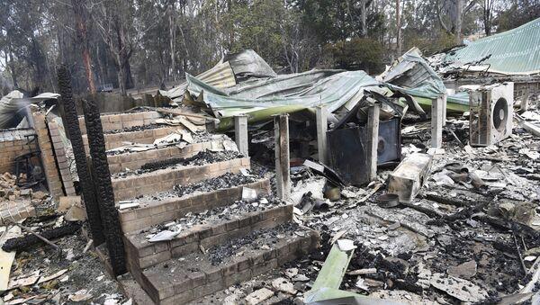 Остаци куће која је изгорела у Истичном Гипсланду у савезној држави Викторија, у Аустралији - Sputnik Србија