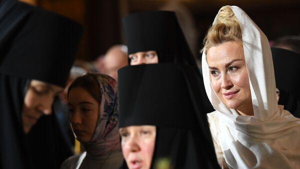 Верници на литургији у Храму Христа Спаситеља у Москви - Sputnik Србија