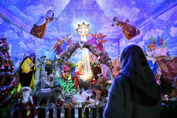 Božićni prikaz u Hramu Petra i Pavla u Simferopolju. - Sputnik Srbija