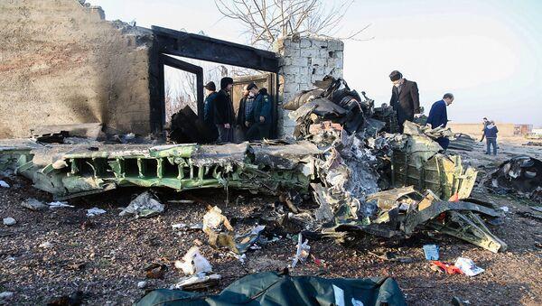"""Srušio se ukrajinski """"Boing 737"""" na aerodromu u Teheranu, svi putnici su poginuli - Sputnik Srbija"""