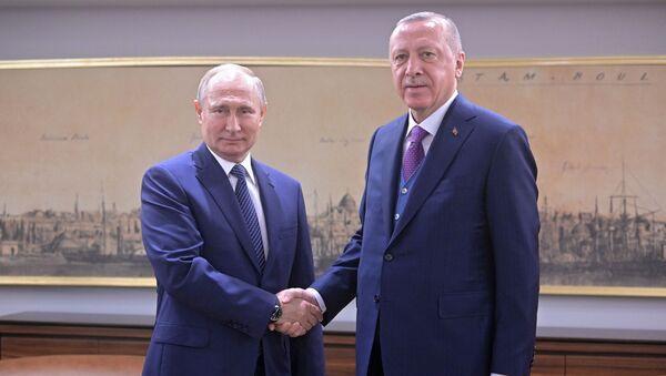 Председници Русије и Турске, Владимир Путин и Реџеп Тајип Ердоган, на састанку у Истанбулу - Sputnik Србија
