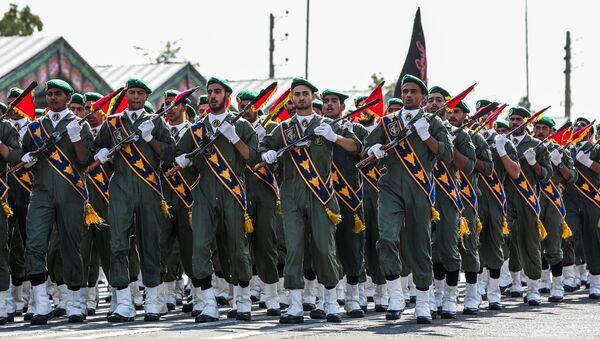 Припадници иранског Корпуса чувара исламске револуције на војној паради у Техерану - Sputnik Србија