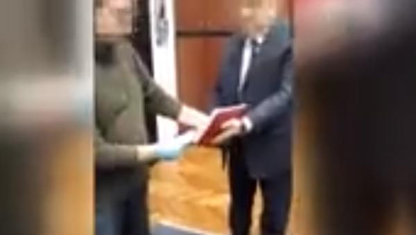 Објављен снимак хапшења осумњичених због мита - Sputnik Србија