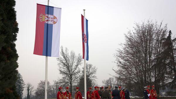 Zastave Srbije i Hrvatske - Sputnik Srbija