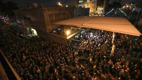 Iranski studenti na ulicama Teherana - Sputnik Srbija