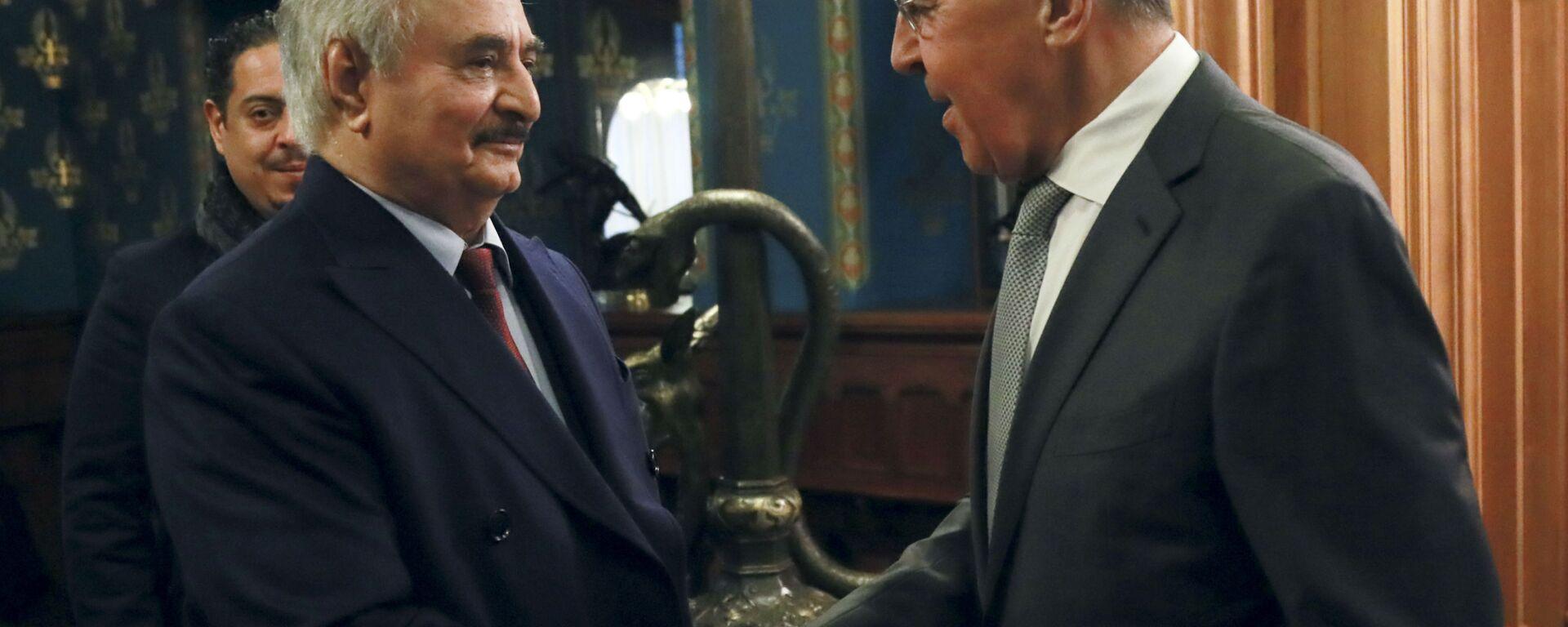 Либијски генерал Халифа Хафтар и министар спољних послова Русије Сергеј Лавров на састанку у Москви - Sputnik Србија, 1920, 23.09.2021