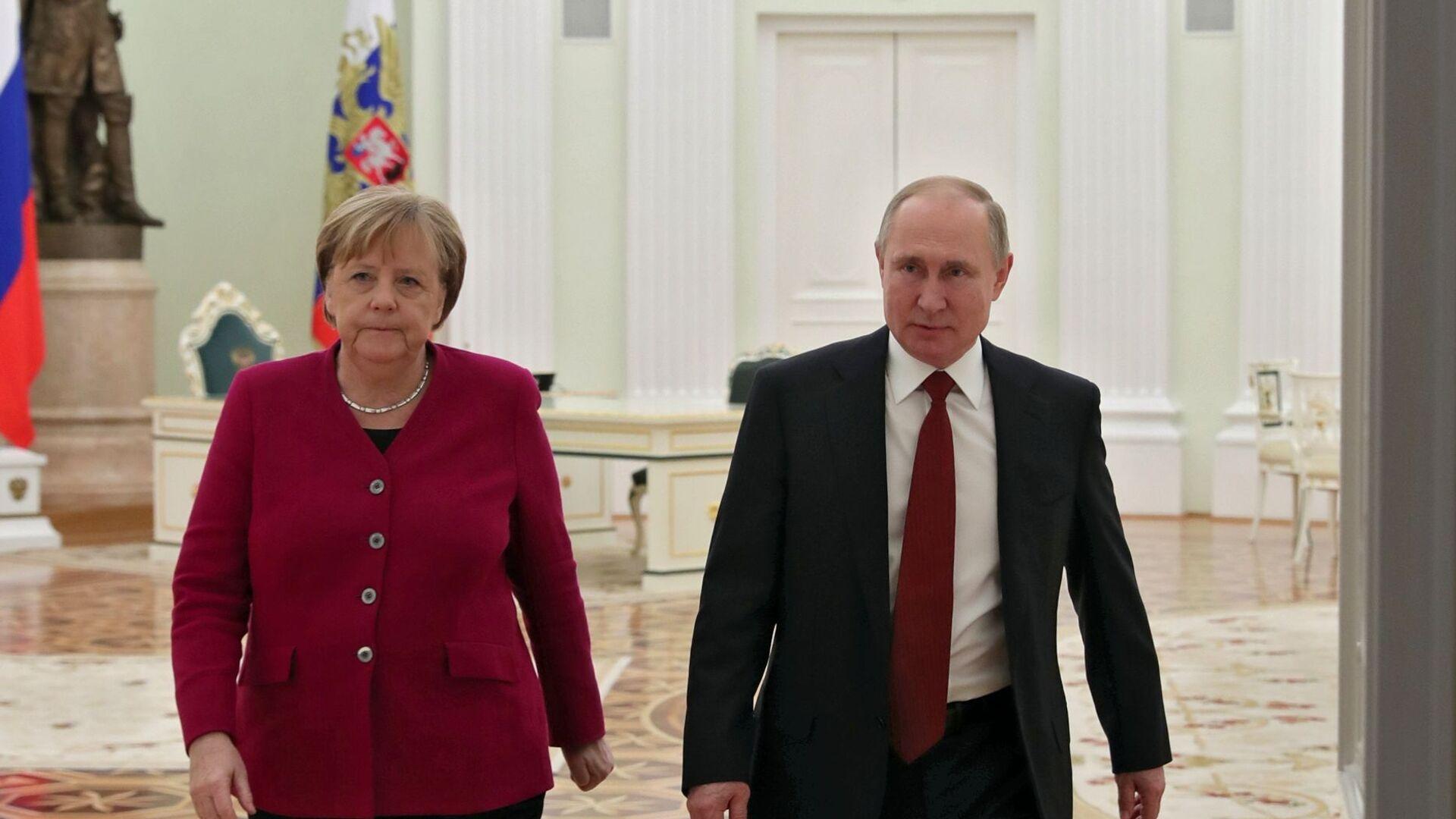 Руски председник Владимир Путин и немачка канцеларка Ангела Меркел - Sputnik Србија, 1920, 20.08.2021