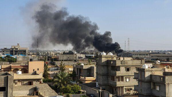 Posledice vazdušnog napada snaga Libijske nacionalne armije Halife Haftara na grad Tadžura južno od Tripolija - Sputnik Srbija