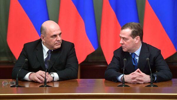 Mihail Mišustin i Dmitrij Medvedev - Sputnik Srbija