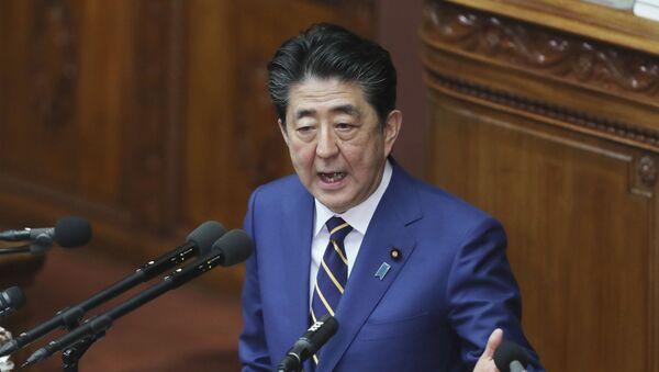 Премијер Јапана Шинзо Абе обраћа се посланицима у Токију - Sputnik Србија